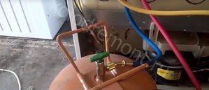 Заправка хладагентом холодильника indesit B18 FNF - zapravka-indezit (1).jpg